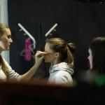 подготовка к съемке, нанесение макияжа 2